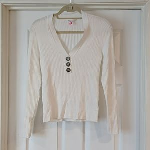 Long Sleeve VNeck with Brown buttons